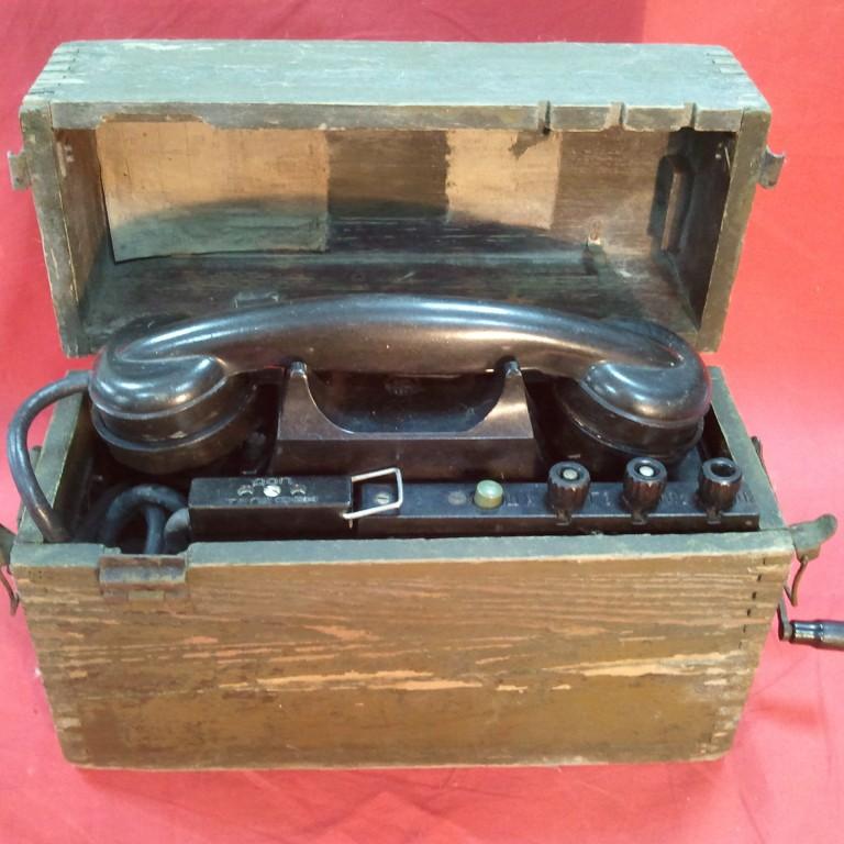 Военно-полевой телефон ТАИ-43. 1945г.