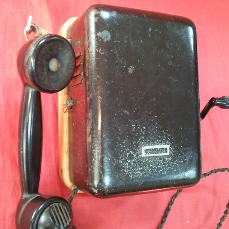 Настенный телефонный аппарат з-да Красная заря — 1935г
