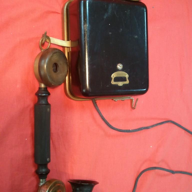 Телефон настенный Н.К. Гейслер и Ко