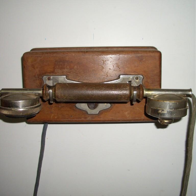 Настенный телефон.  Европа.  Начало 20 века.