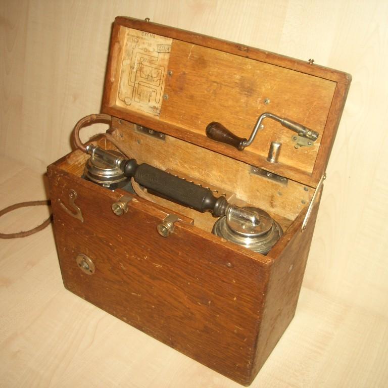 Полевой телефон фирмы «Н.К. Гейслер и Ко». 1912г.