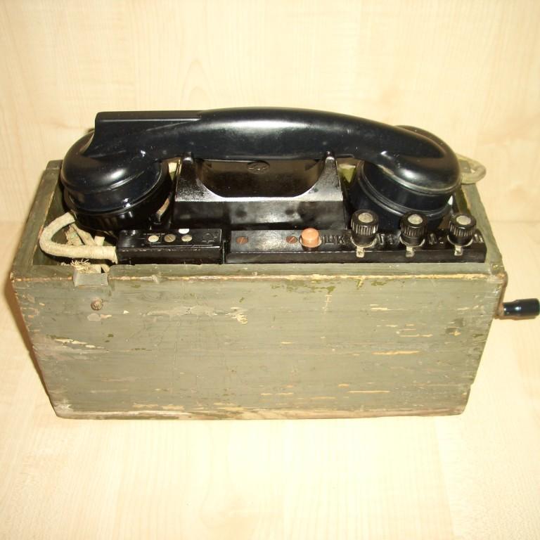 Полевой телефон ТАИ-43. 1944г. выпуска, периода ВОВ.
