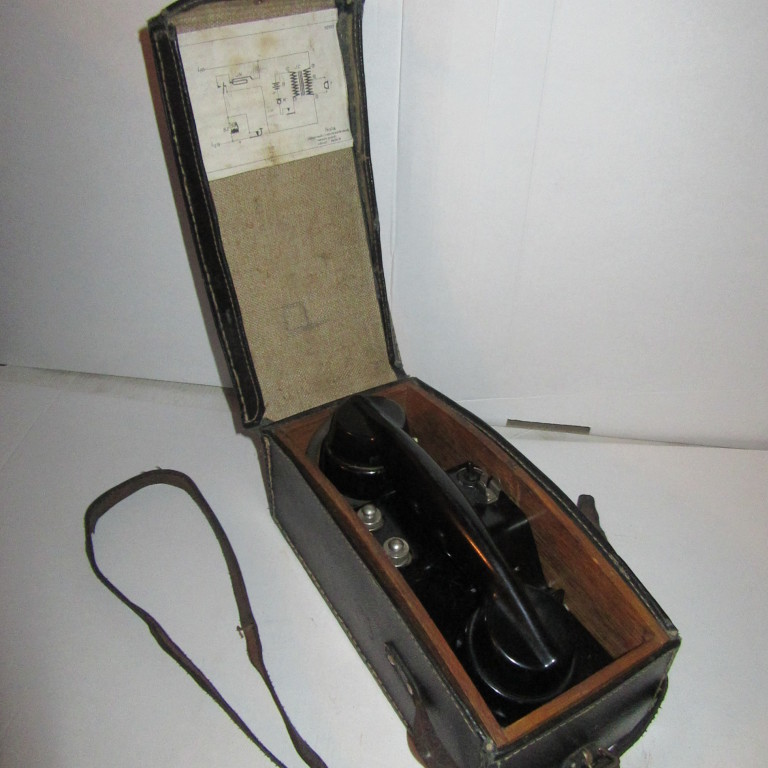 Военно-полевой телефон TESLA Kolin